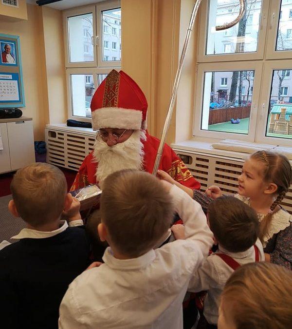Konwalie – wizyta świętego Mikołaja