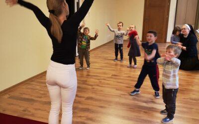 Konwalie – pierwsze zajęcia z tańca ludowego