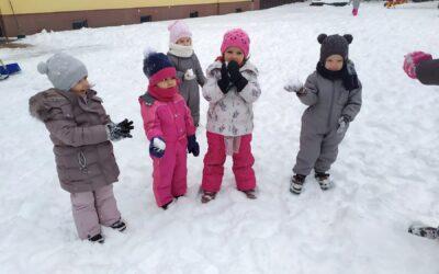 Stokrotki- zimowe zabawy